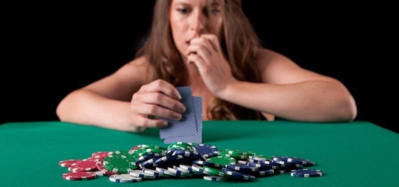 whos-bluffing-recognize-tells-bluffs-poker-game.1280x600.jpg
