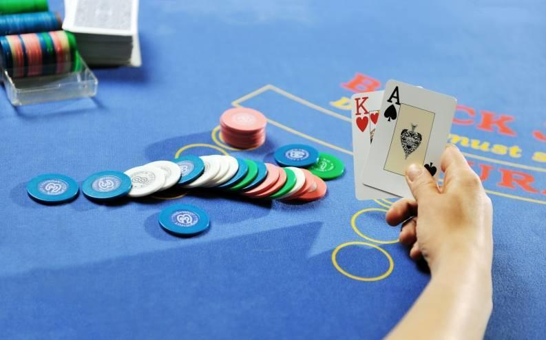 Mengetahui cara bermain dan menang di dalam Poker Online