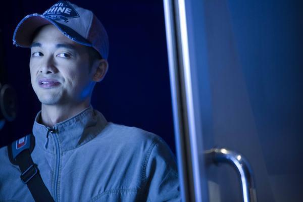 吳中天於《甜蜜殺機》中分飾吳中地、吳中天兩角。